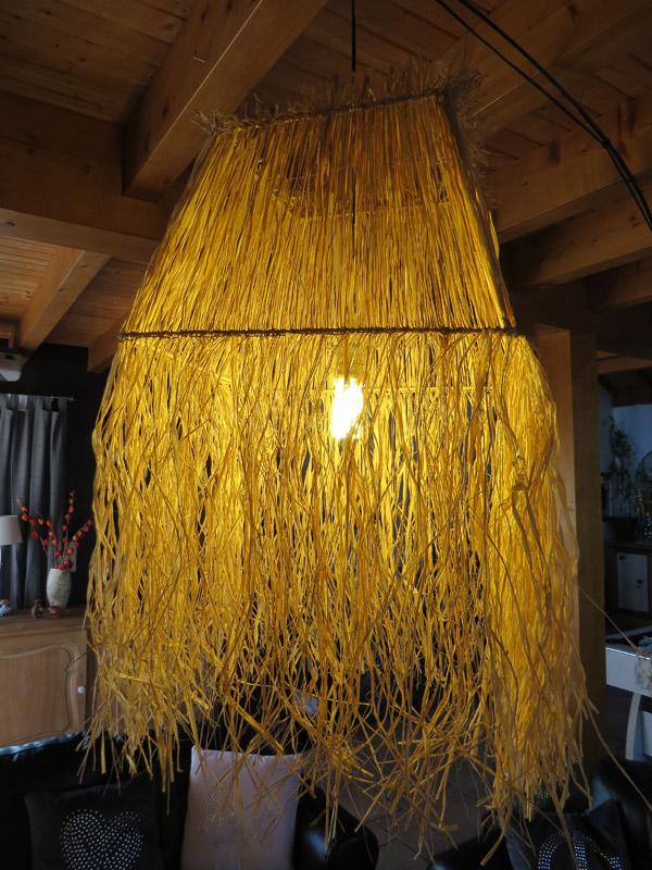abat-jour en raphia .L'atelier de valérie. Création artisanale. Pièce unique. Domessin. Savoie. France