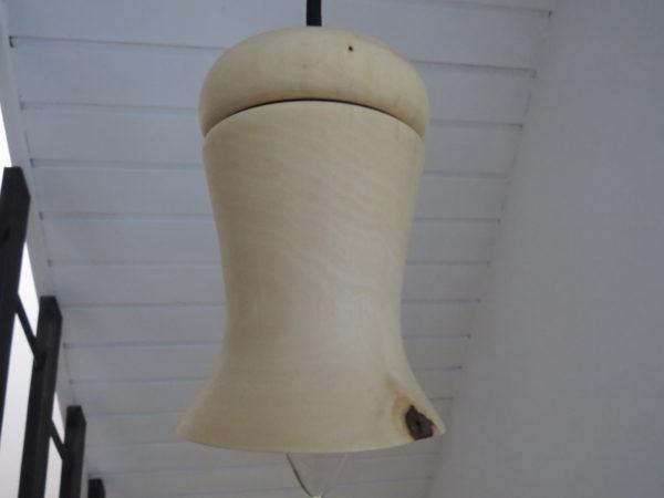 luminaire en bois tourné. L'atelier de valérie. Création artisanale. Pièce unique. Domessin. Savoie. France