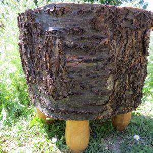 tabouret en cerisier massif. L'atelier de valérie. Fabrication artisanale . Pièce unique . Domessin. Savoie . France