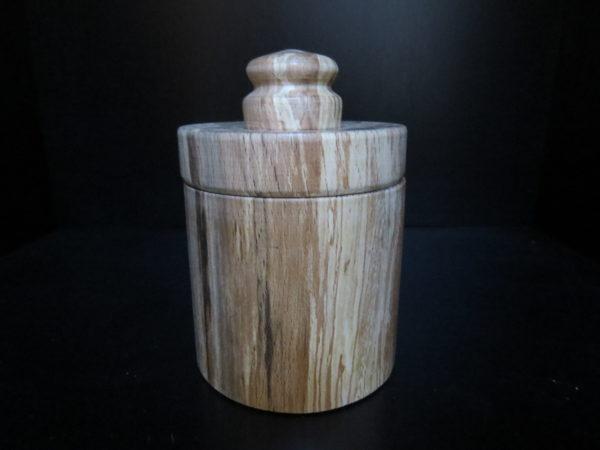 Libellule. Boite en hêtre. Fabrication artisanale. Pièce unique. Tournage sur Bois Domessin Savoie