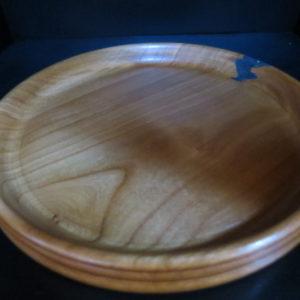 Assiette vanille en Merisier massif . Fabrication artisanale. Pièce unique. Tournage sur bois. Domessin .Savoie
