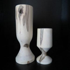 Le Duo vases en noyer. L'atelier de valérie . Tournage sur bois . Fabrication artisanale . Pièce unique . Domessin . Savoie . France
