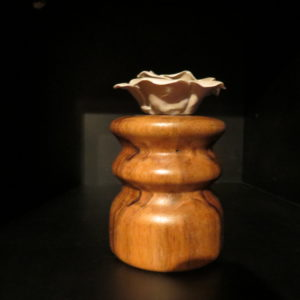 Bora Bora . Décoration en noyer. Tournage sur bois. Fabrication artisanale. Pièce unique. L'atelier de valérie. Domessin. Savoie