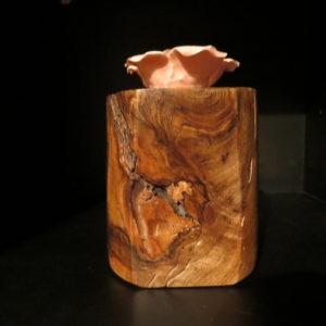 Tahiti. Décoration en noyer. Tournage sur bois. Fabrication artisanale. Pièce unique .L'atelier de Valérie. Domessin . Savoie